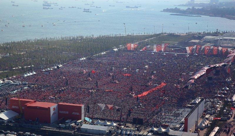 turkey crowds